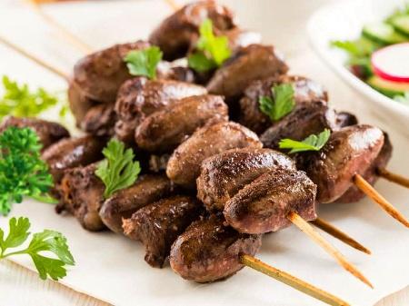 Шишчета от пилешки сърца на печени на фурна - снимка на рецептата